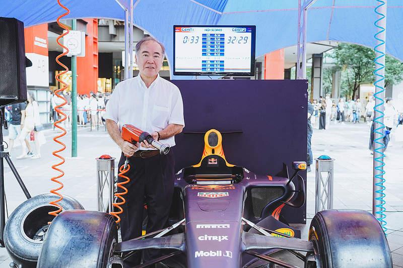 臺灣賽車新歷史!「F1」首次在臺北街頭狂飆 原廠賽車「空運來臺」 - 爆新聞