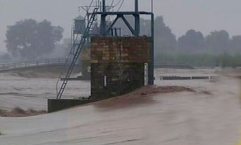 pakistan-flood100_9-6-2014_158938_l