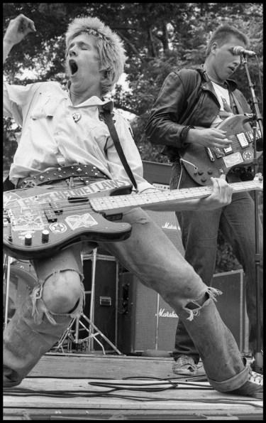 DOA Rampage Shithead Chicago © 1979 Bev Davies