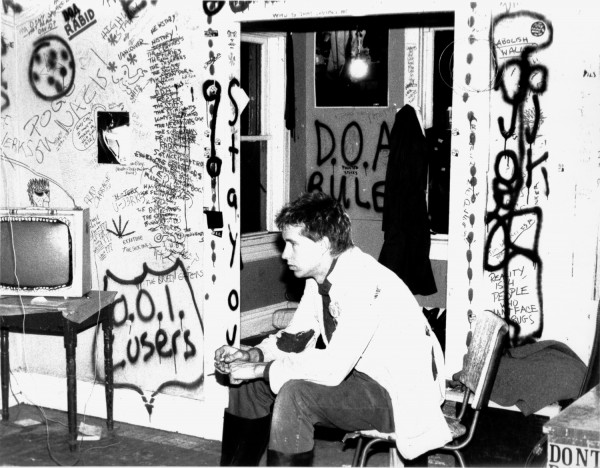 Dave Gregg @ Gore Manor Punk House © Lynn Werner