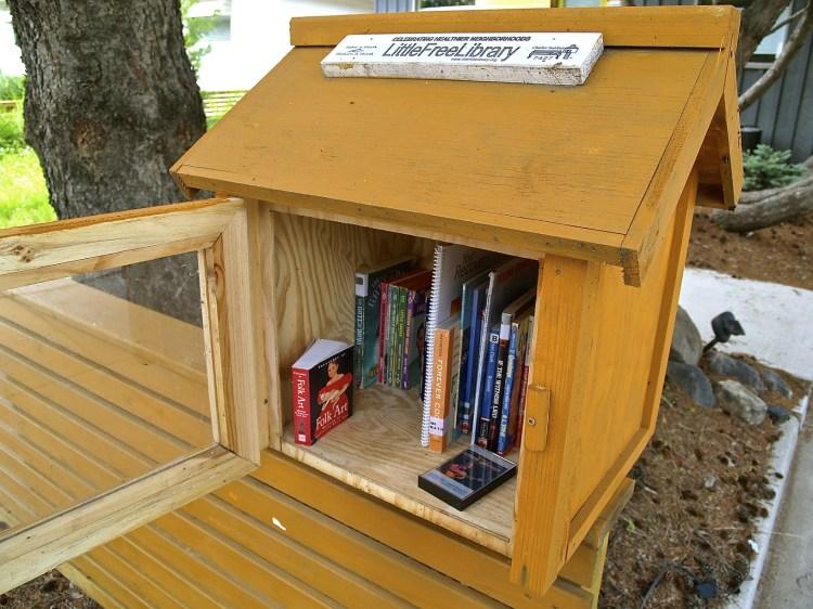 Little Free Library: Saskatoon chapter