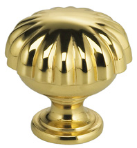 Item No.9168 (Classic Cabinet Knob - Solid Brass) in finish US3 (Polished Brass, Lacquered)