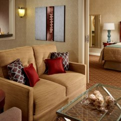 Hotel With Living Room Rooms To Go Cindy Crawford Luxury Suites In Atlanta Omni At Cnn Center