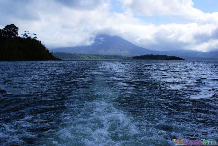 Costa Rica - La Fortuna - Volcan Arenal vu du bateau