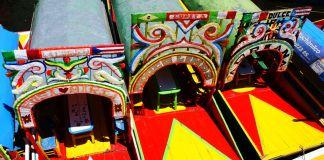 Mexique - Xochimilco - Bateaux amarrés