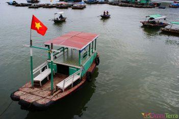 Vietnam - Cat Ba - Port et bateau