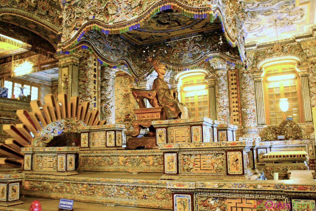 Vietnam - Hué - Tombeau de l'empereur Khai Dinh