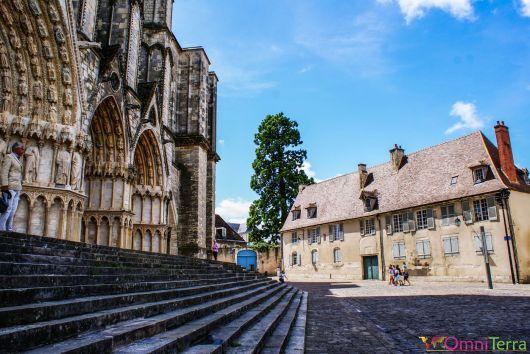 Bourges - Parvis de la Cathédrale de Bourges
