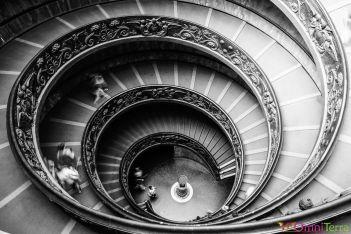 Rome-Musée-du-Vatican-Escalier