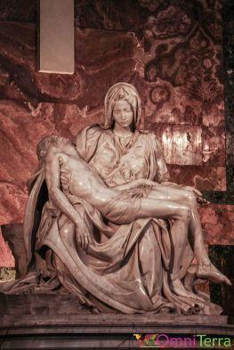 Rome-Vatican-Basilique-Saint-Pierre-Pieta