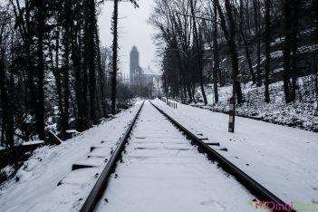 Kutna-Hora-Chemin-de-fer-sous-la-neige