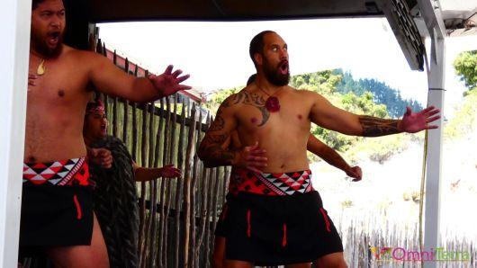 Nouvelle zelande-Rotorua-Village maori-Haka