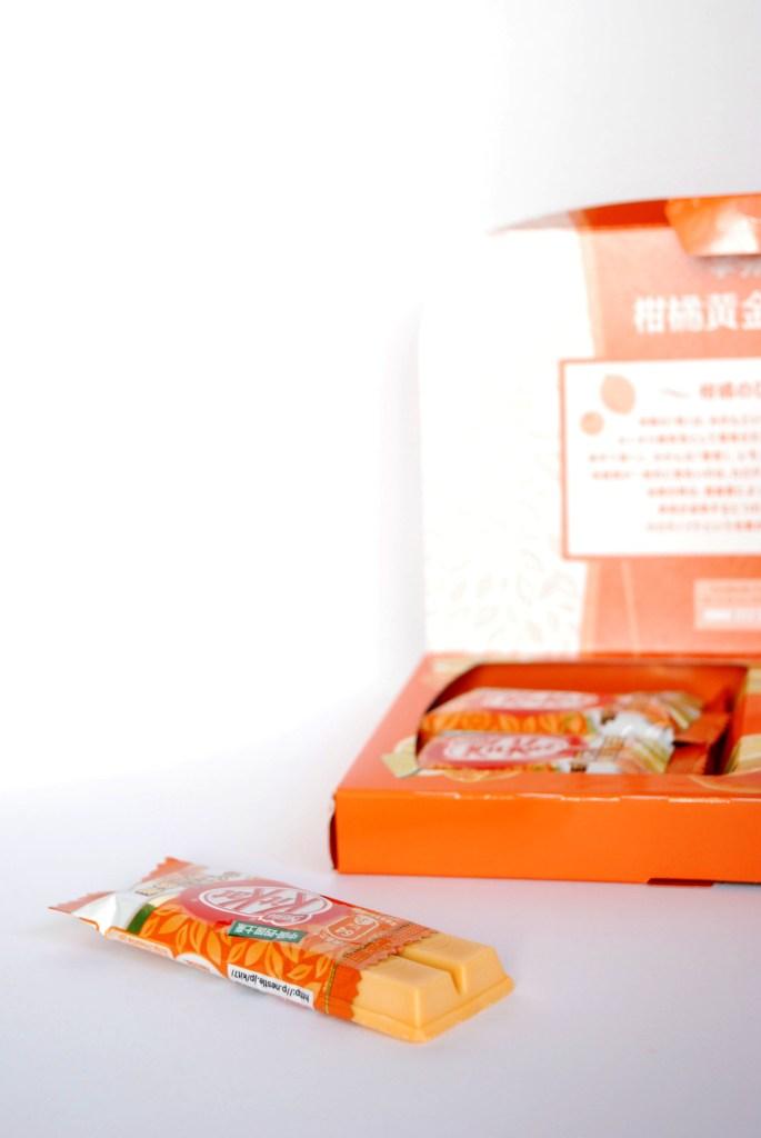 Om Nom Nomad - Citrus Golden Blend Flavor aka Kankitsu Ogon Blend Kit Kat