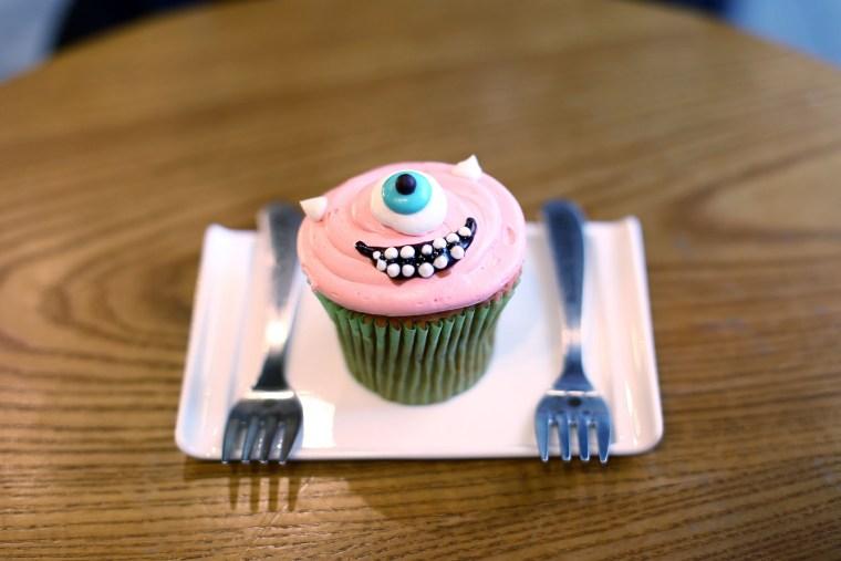 Om Nom Nomad - Monster Cupcake