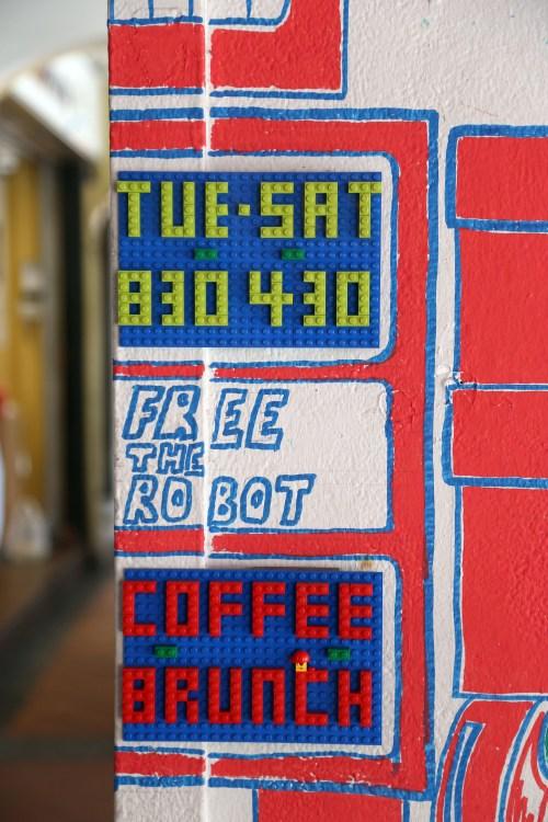 Om Nom Nomad - Free the Robot