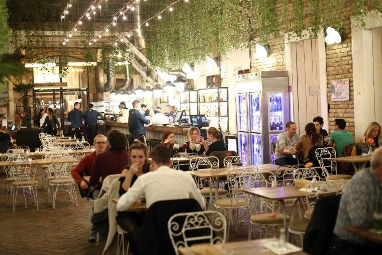 Budapest Restaurant Guide - OmNomNomad