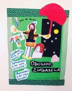 Presente das crianças que assistiram ao Teatro Infantil Mala para a Construção de um Sonho de O Mundo da Zingarela®
