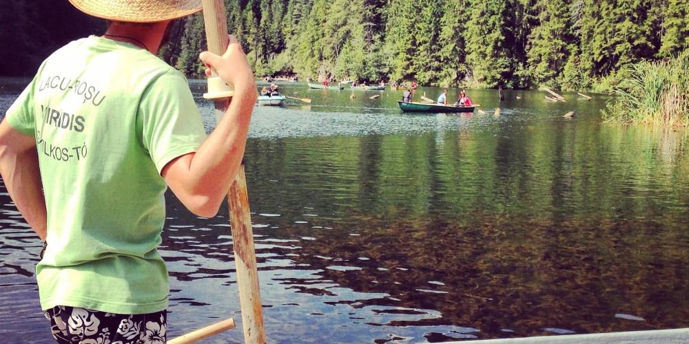 Delícia é passar horas na paz do Lacul Rosul
