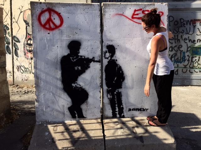 Uma das obras de Banksy na Palestina