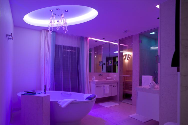 Sanft wechselnde Lichtstimmungen im Grand Resort Bad Ragaz