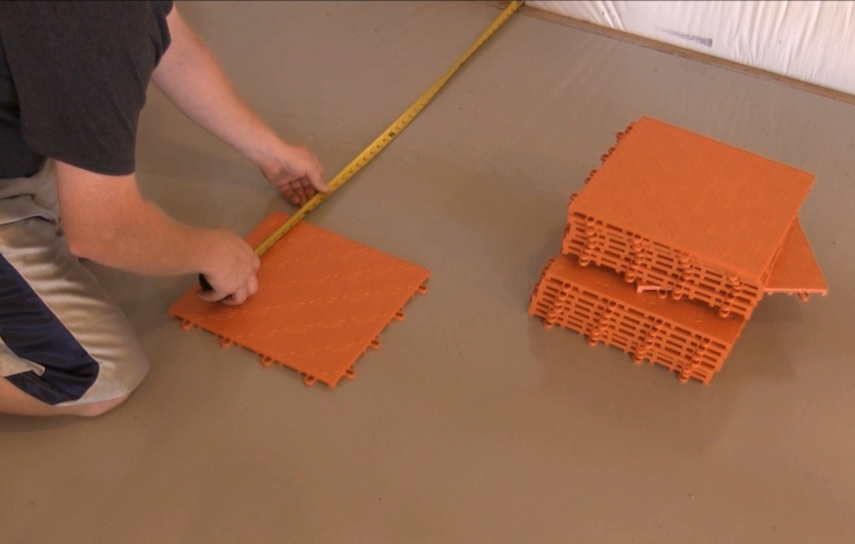 Flooring HopUp Installing Race Deck Floor Tile
