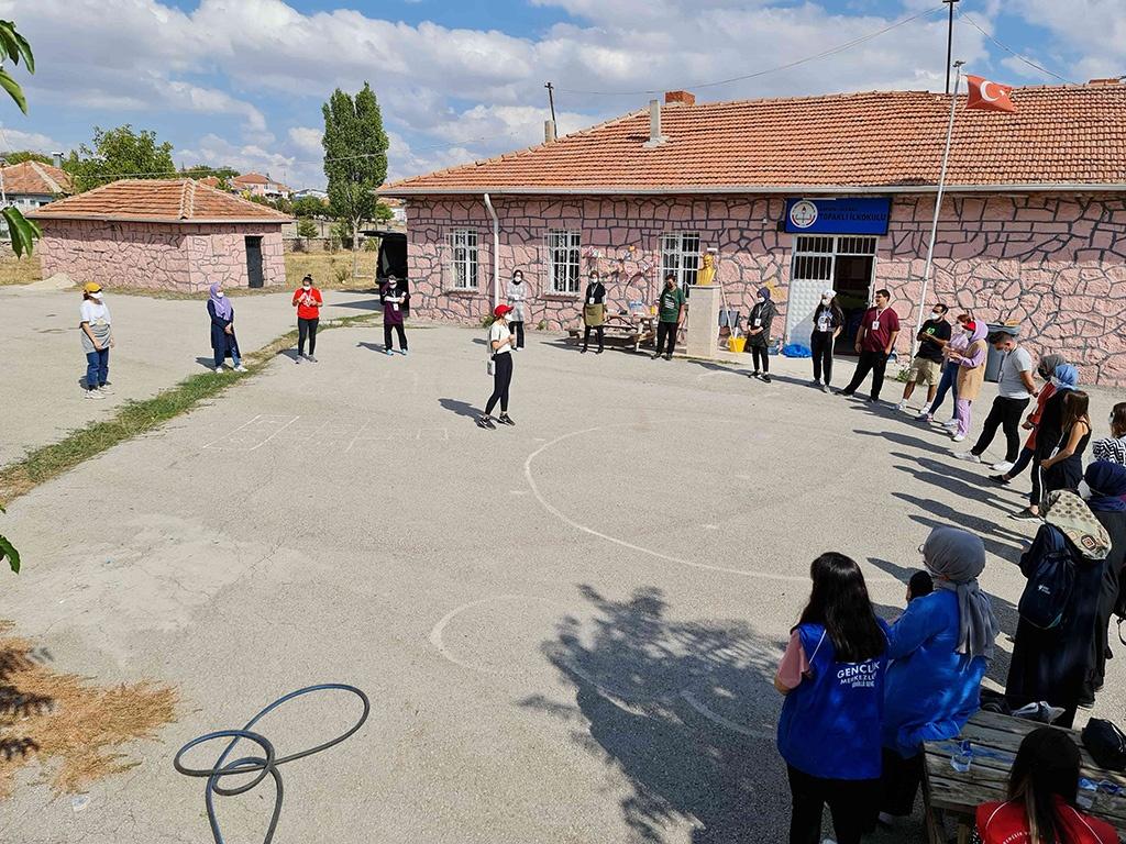 Ankara'daki Bir Köy Okulunu Onardık - 08