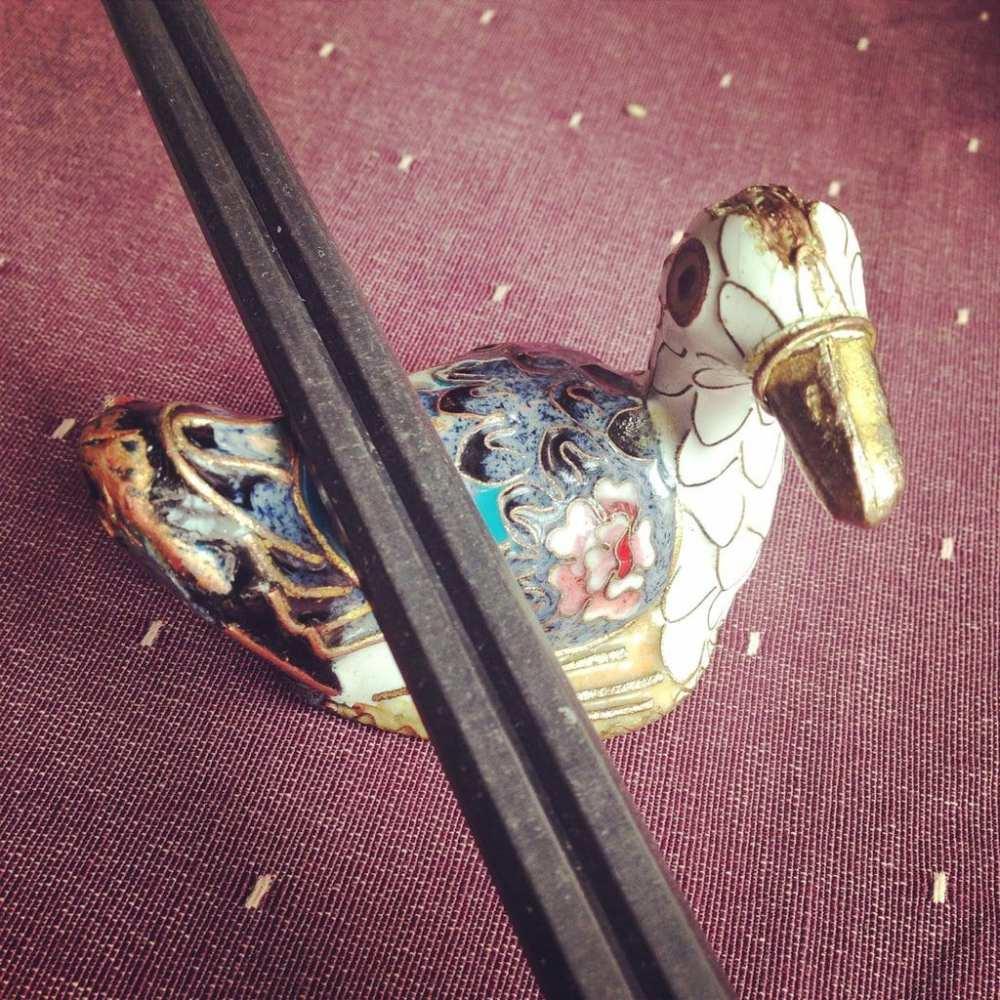 Duck de Chine chopstick detail