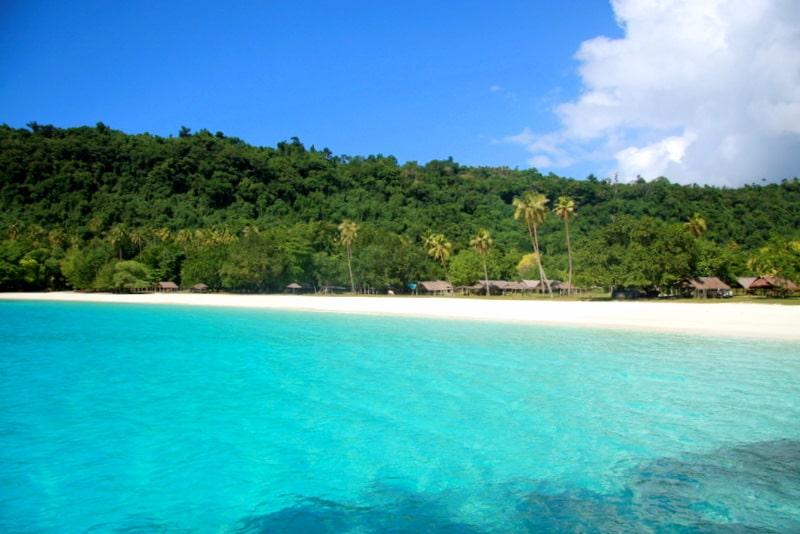 how to get to champagne beach vanuatu