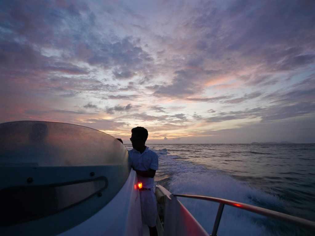 Sunset champagne cruise Soneva Kiri