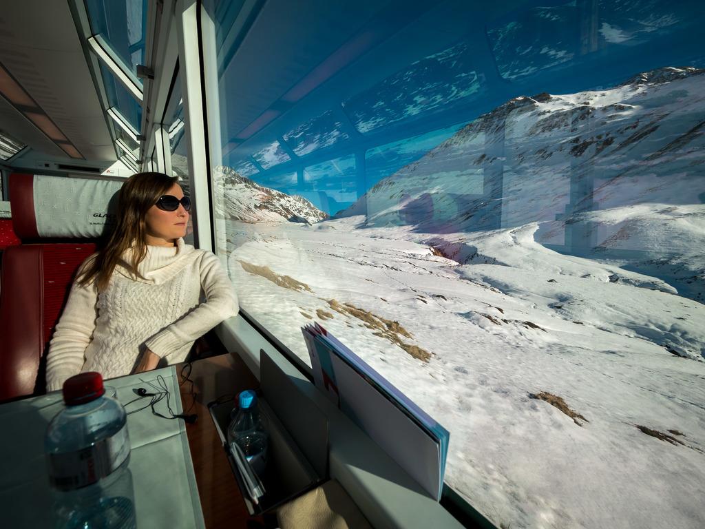 Glacier Express at the Oberalp Pass