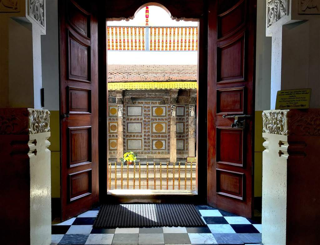 Door at Kandy Royal Palace complex