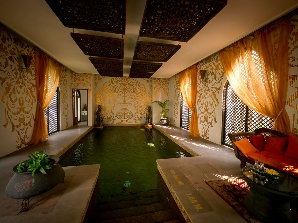 Dhara Devi Spa pool