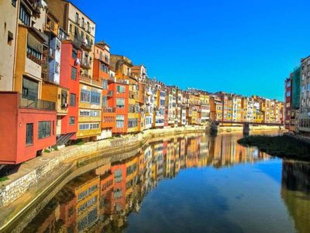 """Girona riverside"" day trips from Barcelona"