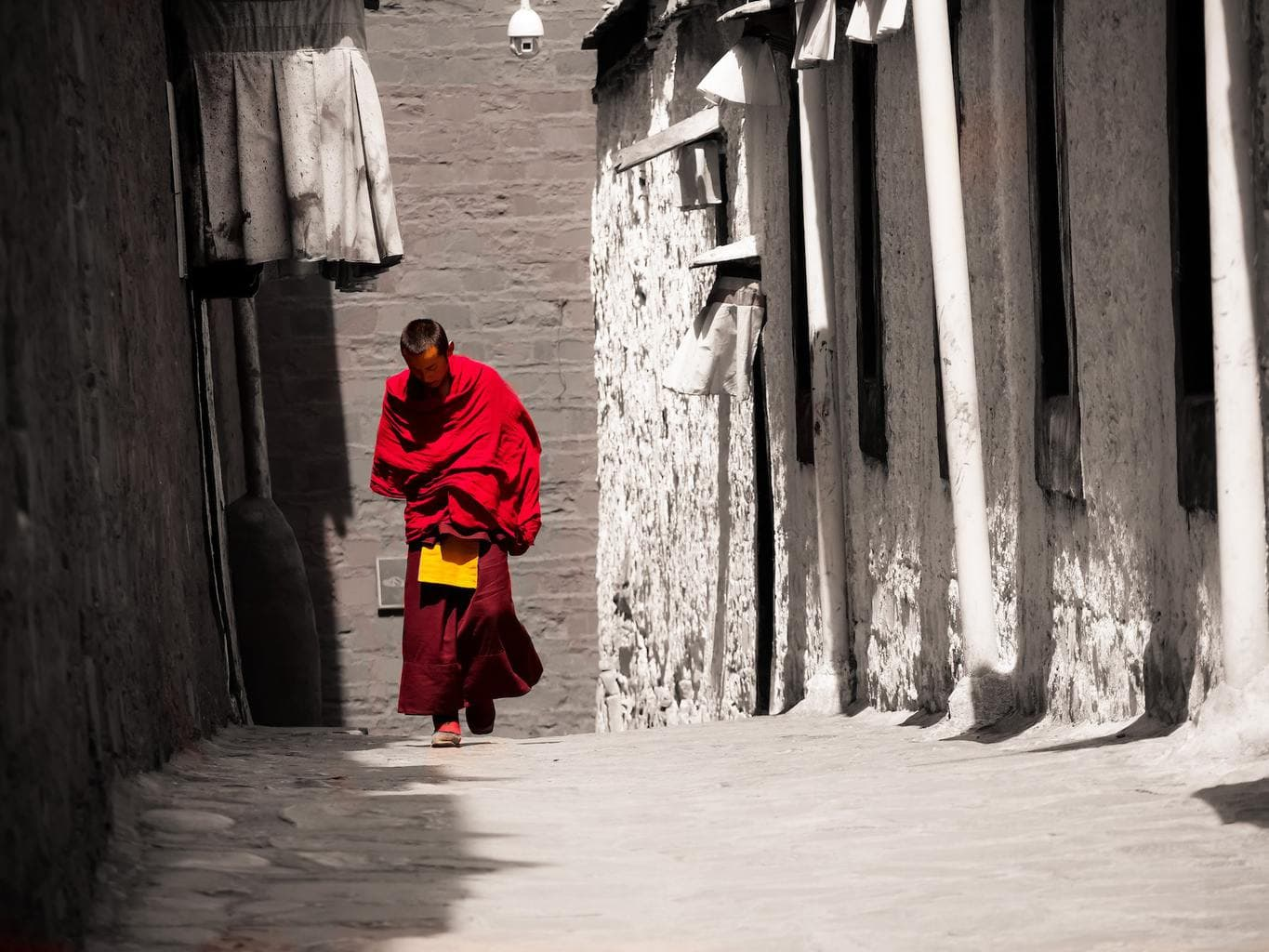 Monk at Tashilumpo monastery