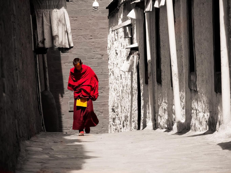 Monk at Tashilumpo monastery