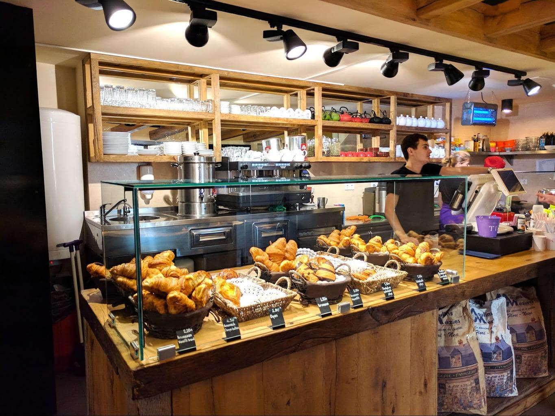 Entree bakery