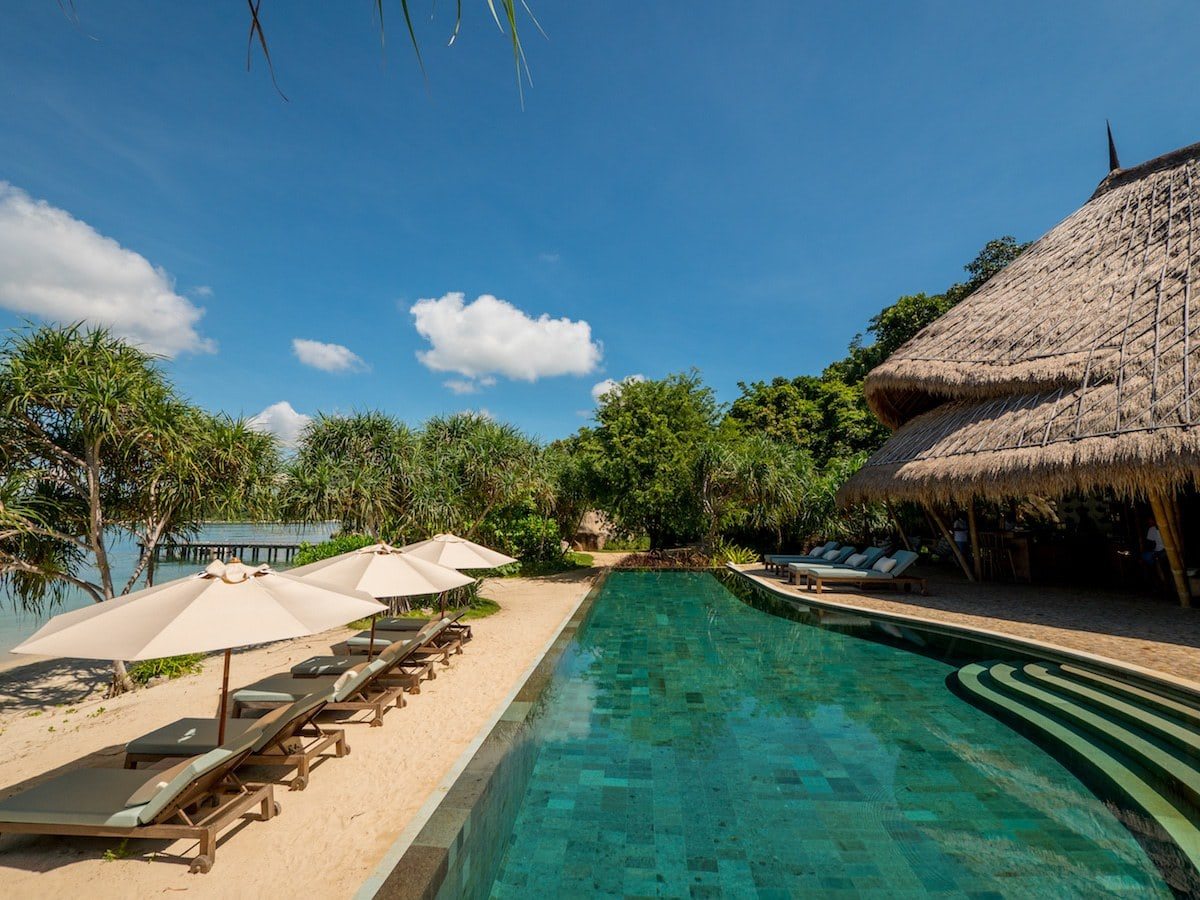 Infinity pool along the beach on Cempedak Island