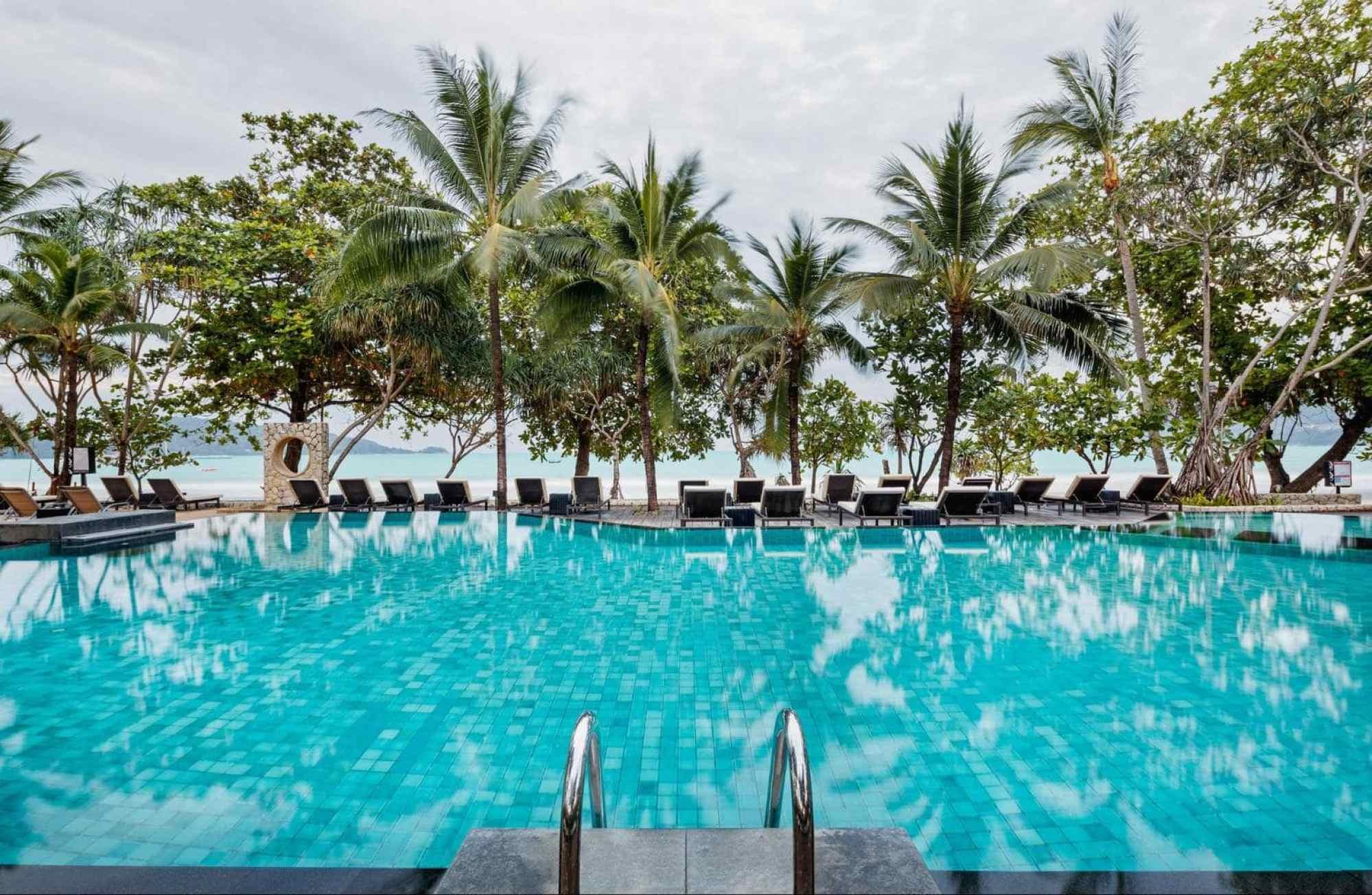 Impiana Resort Patong pool