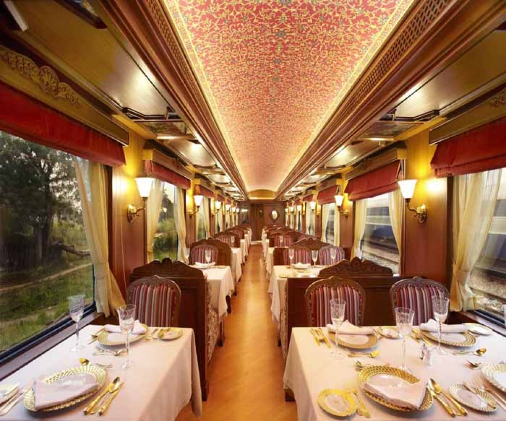 Maharajas Express restaurant car