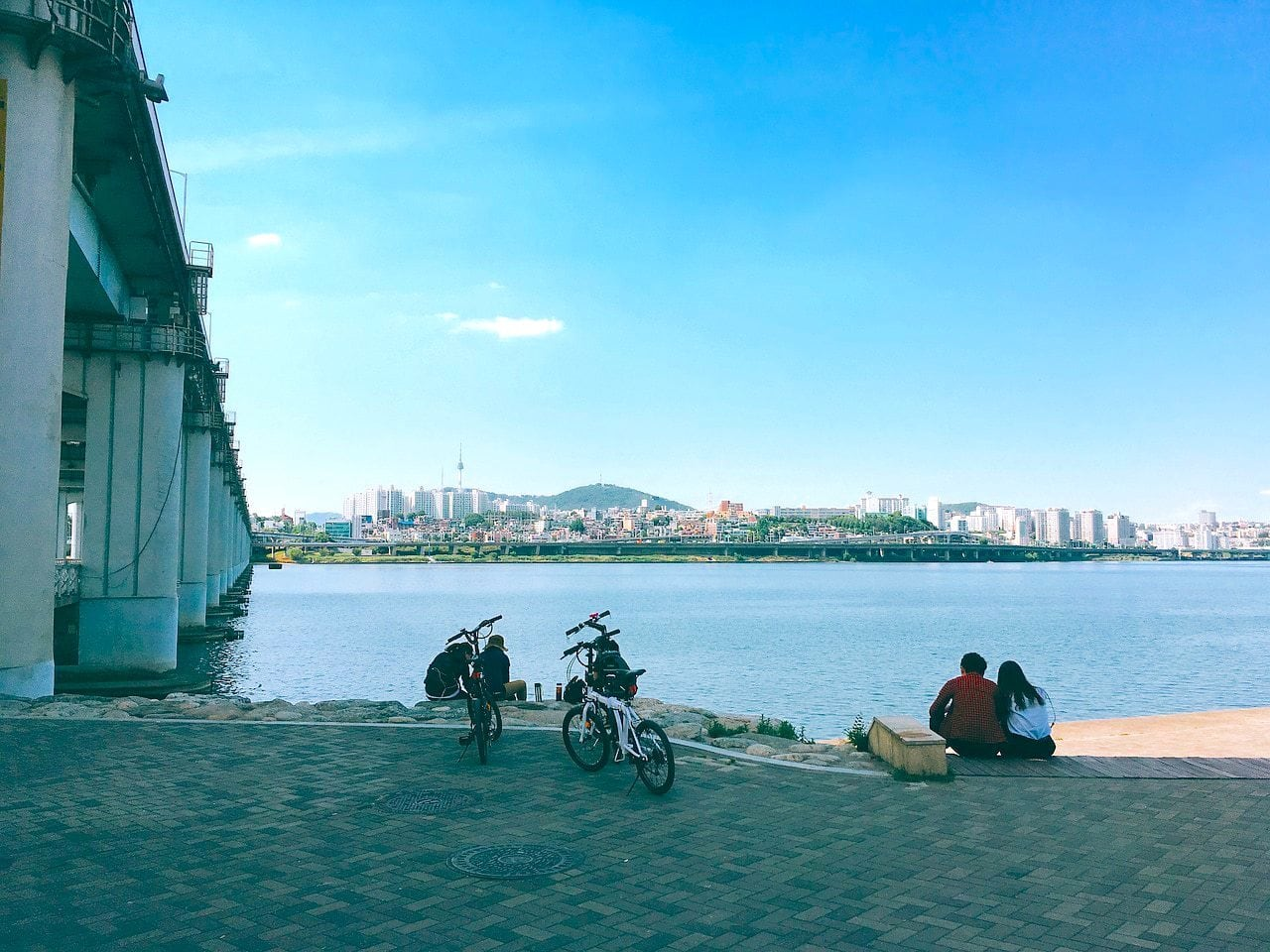 Lovers sharing a moment along the Han River