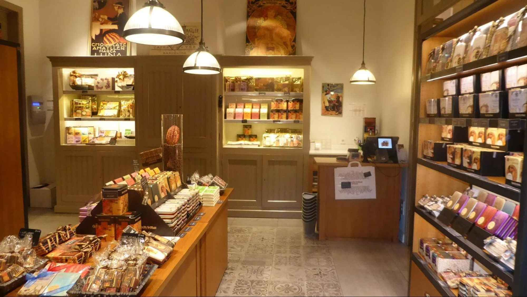 The Amatller chocolate shop inside Faborit