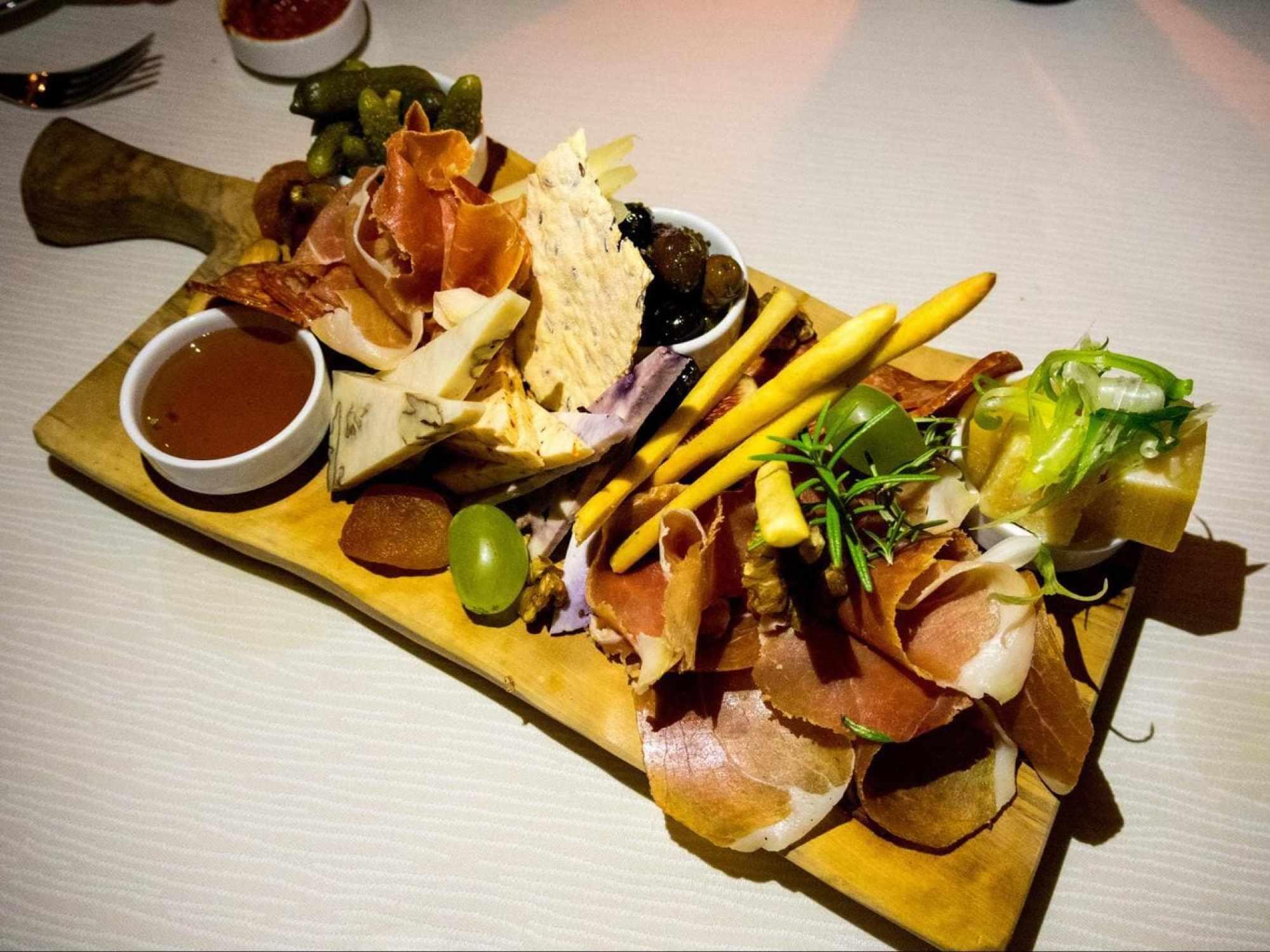Cheese and ham platter