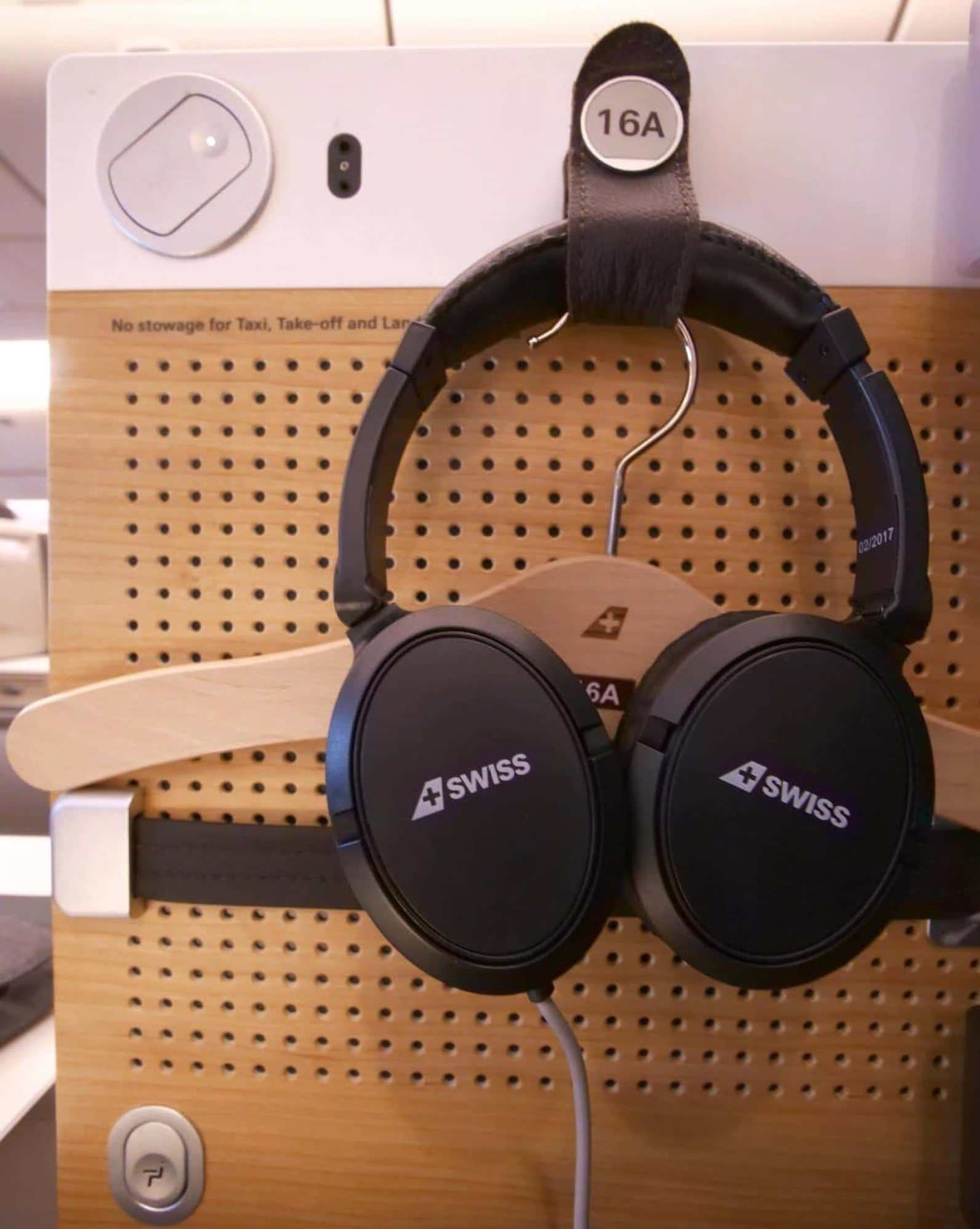 Noise cancelling headsets on Swiss Business Class