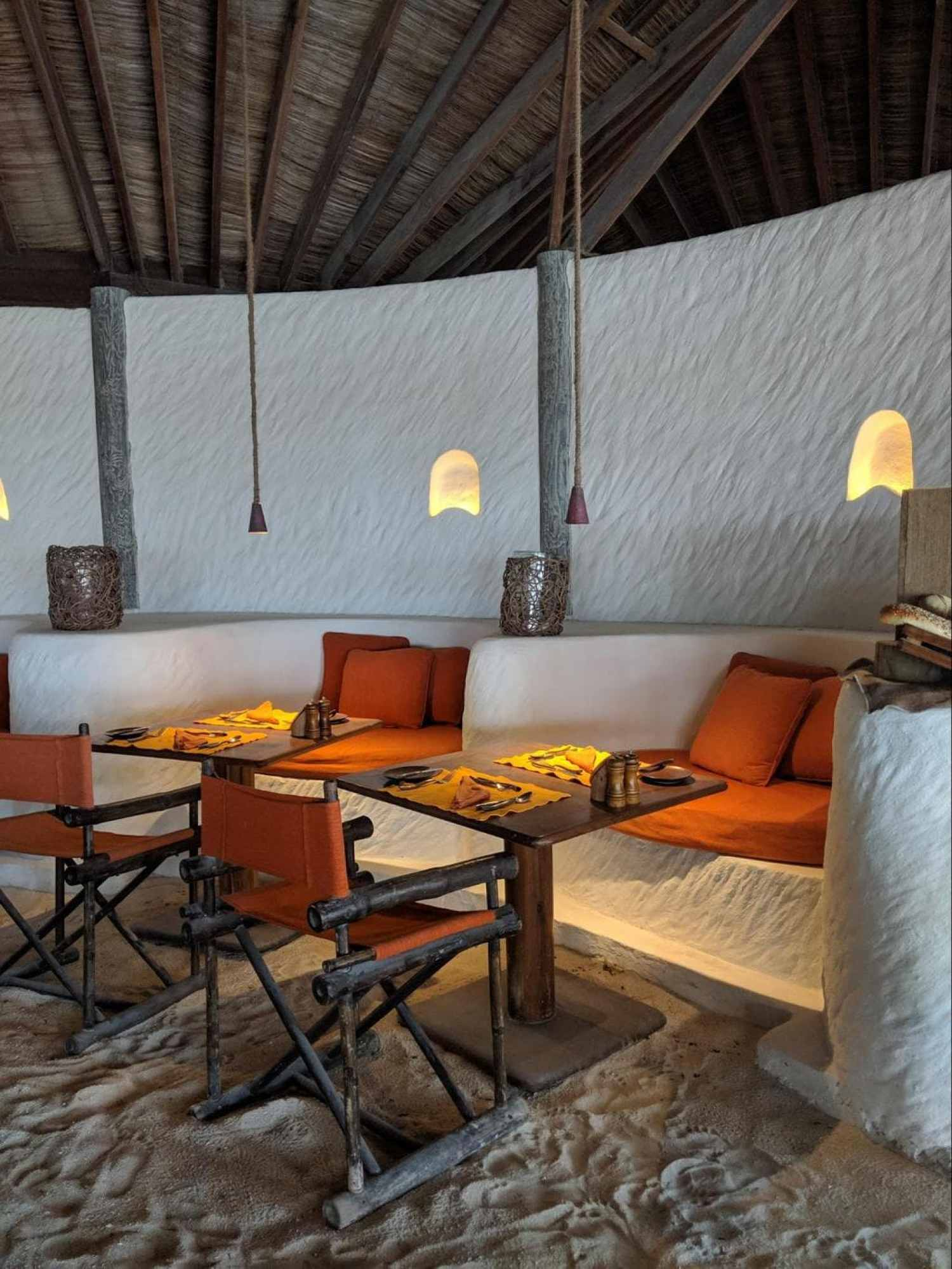Seating at Kashiveli, indoor and outdoor 01