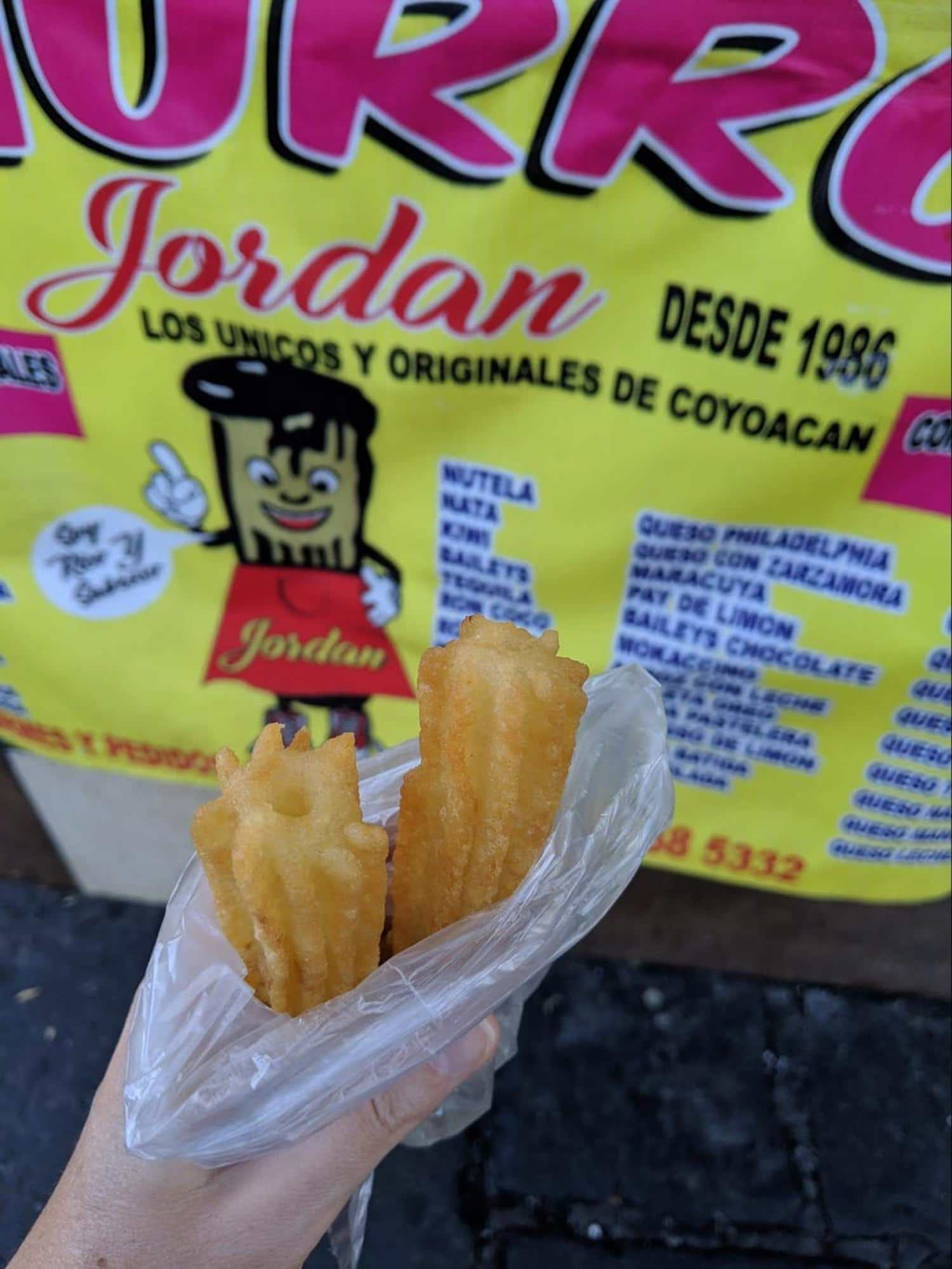 Churros to go from Coyoacan - Mexicans do not eat churros as dessert