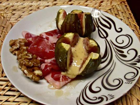 Figs with Brie Cheese & Serrano ham