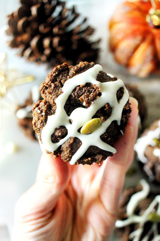 gluten free pumpkin gingerbread muffins