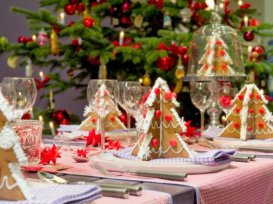 DIY Christmas gift night eve table