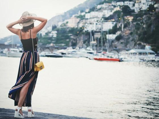 Striped palazzo pants sandali plateaux Furla Metropolis Amalfi Costiera Amalfitana