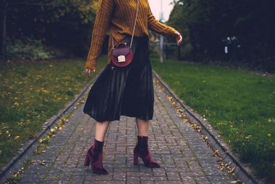 Pleated skirt Second Skin Boots Salar Steve Madden Fall winter